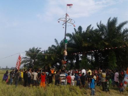 Kemeriahan 17 Agustus di Desa Besar II Terjun